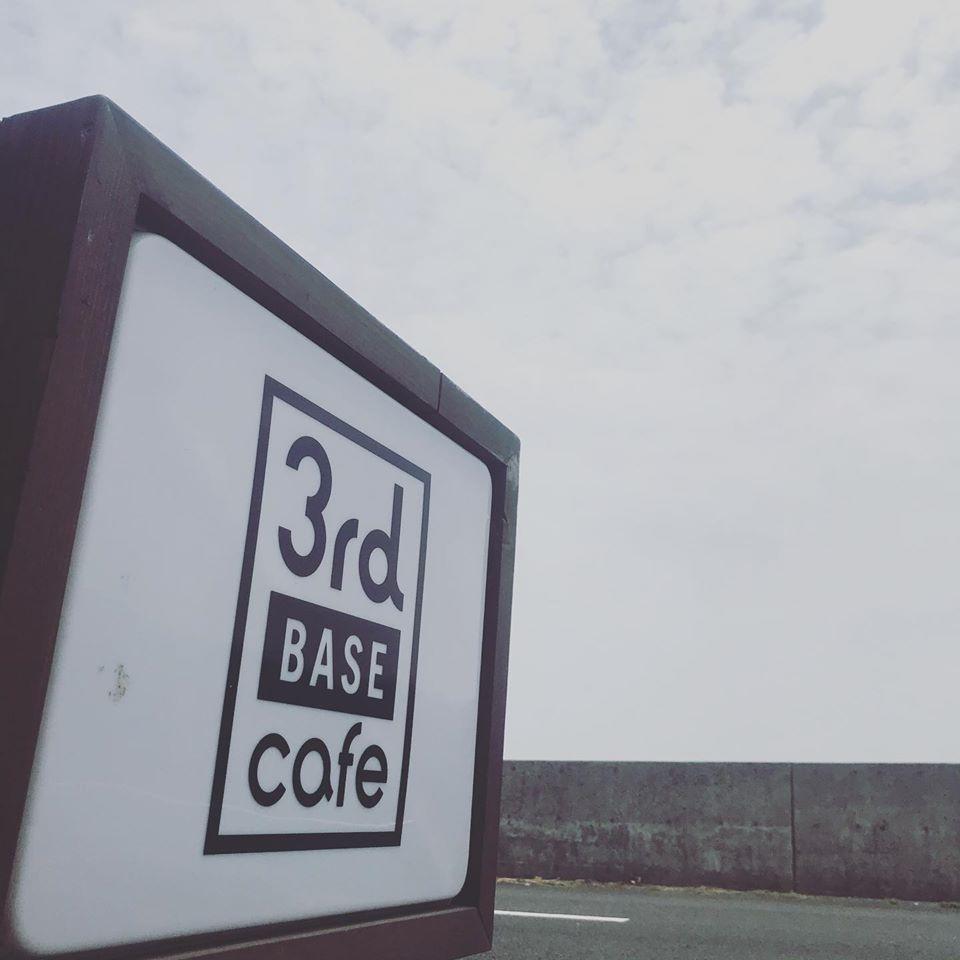 長崎県平戸市海沿いのカフェ