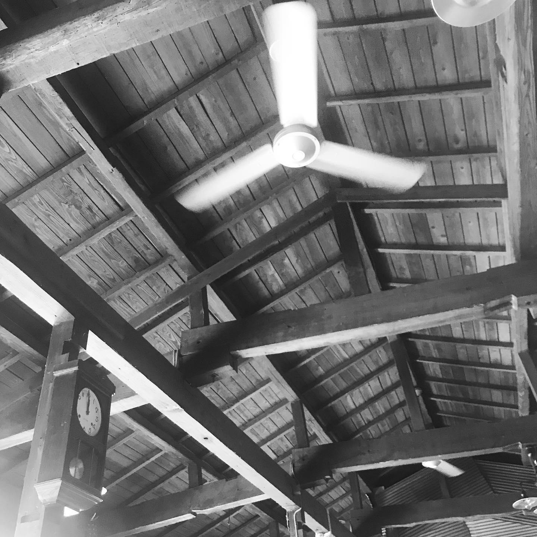 サードベースカフェの内観